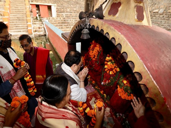 BJP National President JP Nadda along with her wife offers prayers at Kamakhya temple (Pic credit: Twitter/ Jagat Prakash Nadda)