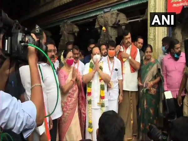 BJP chief Nadda with party supporters at Meenakshi Amman Temple in Madurai. (Photo/ANI)
