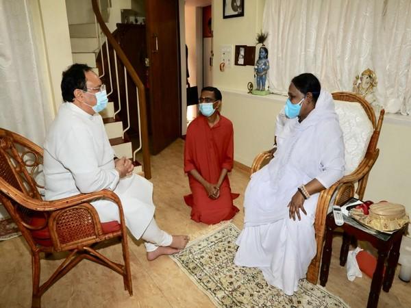 BJP national President JP Nadda meets spiritual leader Mata Amritanandamayi (Image Courtesy: @JPNadda)