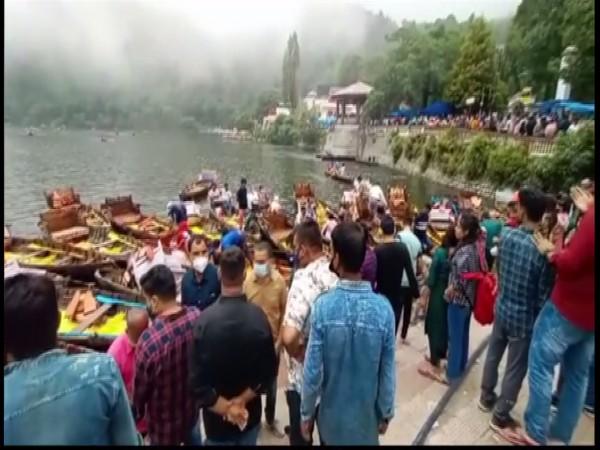 Tourists in Nainital