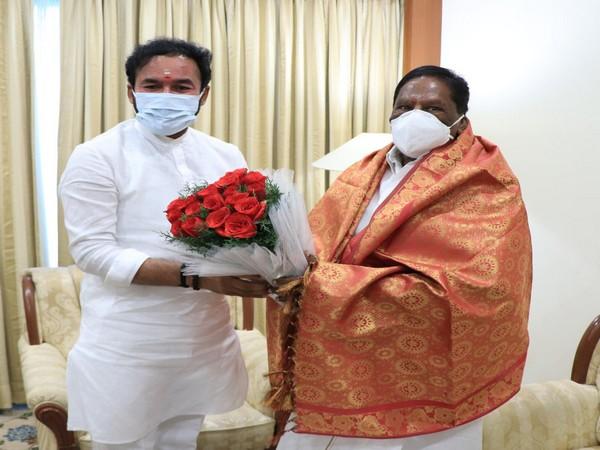 Puducherry Chief Minister V.Narayanasamy meeting MoS Home Affairs G Kishan Reddy on Sunday.