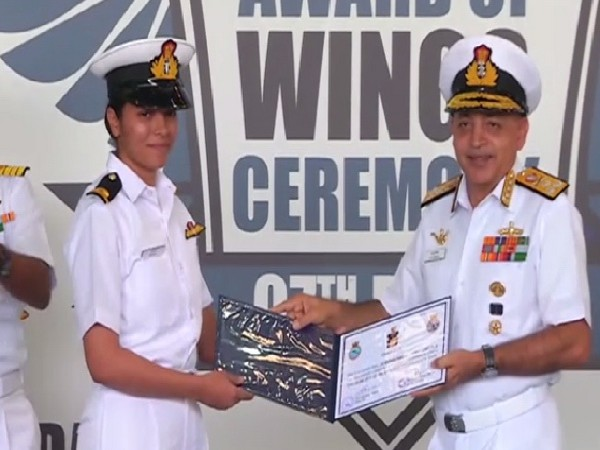 Sub-Lieutenant Shivangi with Vice Admiral AK Chawla of the Indian Navy in Kochi, Kerala on Monday. Photo/ANI
