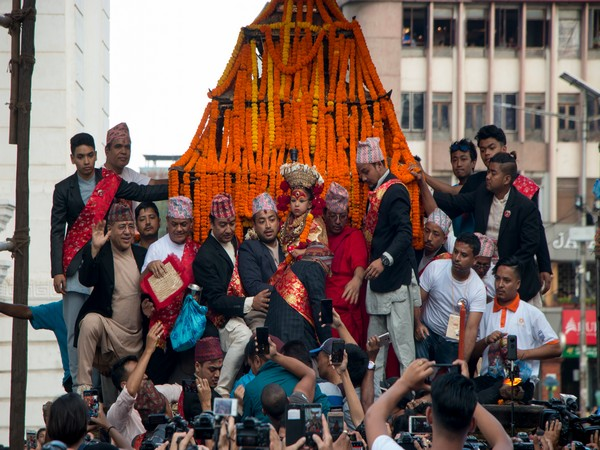 Kwaneyā is considered as the main day of festival and witnesses a large crowd pulling a chariot Living Goddess Kumari through the southern part of the town.