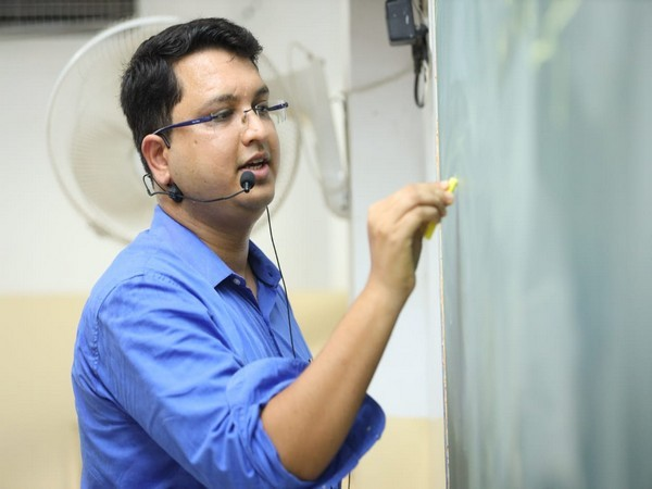 Nitin Vijay, MD, Motion Education & a leading Educationist