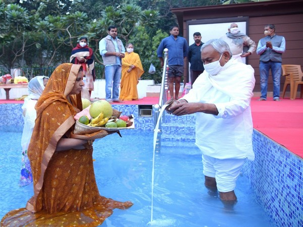 CM Nitish Kumar offering argha at his residence