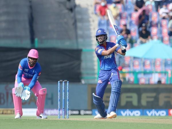 DC batsman Shreyas Iyer in action against RR (Photo/ IPL Twitter)