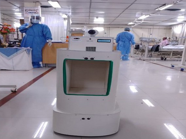 The robotic device RAIL-BOT