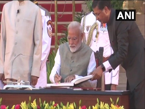 Prime Minister Narendra Modi takes oath as Prime Minister for the second consecutive term on Thursday