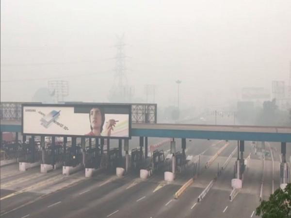 A visual of DND flyover in Noida  [Photo/ANI]