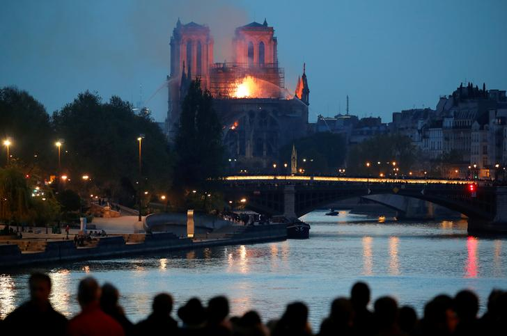 Visuals from the Notre Dame Cathedral blaze in Paris, France on Apr 15 (Photo/Reuters)