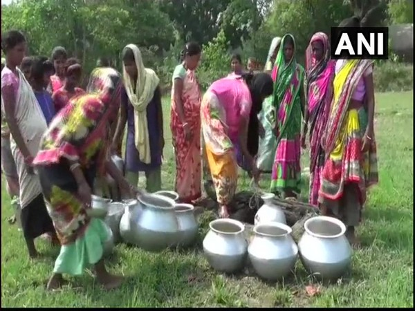 People in Arjunsahi village forced to use unhygenic water due to unavailability of any clean water source.
