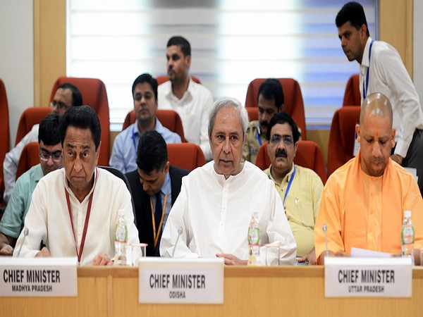 Chief Minister Naveen Patnaik (middle) at the meeting on LWE in New Delhi.