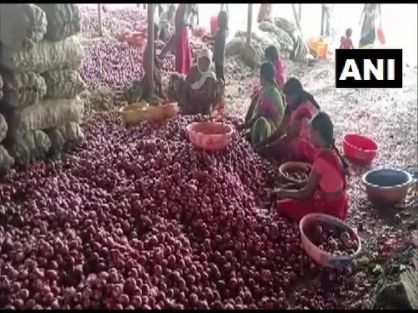 Visuals from market in Nashik, Maharashtra.