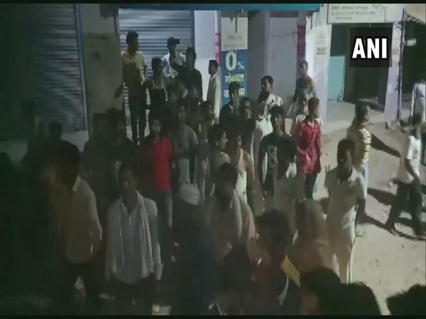A sub-inspector open fired from his service weapon injuring three in Lucknow