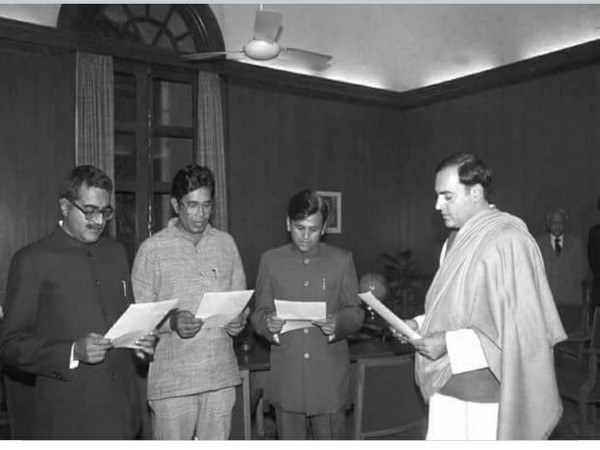 Arun Singh, Oscar Fernandes and Ahmed Patel taking oath as Parliamentary Secretaries to Prime Minister Rajiv Gandhi in 1985. The trio was famously referred to as 'Amar, Akbar, Anthony'.