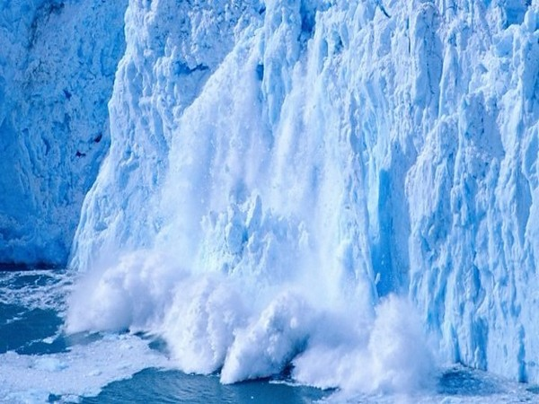 Melting icebergs due to greenhouse effect