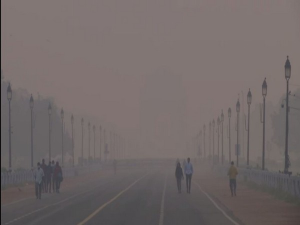 Smog in central Delhi's area on Thursday.  Photo/ANI