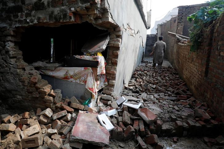 Visuals of a damaged house after an earthquake in Pakistan's Mirpur. Photo/ANI