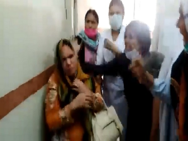 Christian nurse beaten by her Muslim colleagues after accusing her of blasphemy