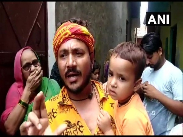 A resident of 'Pakistan Wali Gali' speaking to ANI in Greater Noida, UP on Tuesday. (Photo/ANI)
