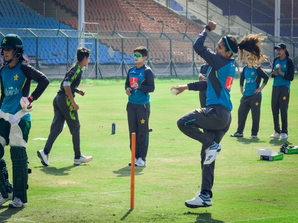 Pakistan women's team during their training session (Photo/ PCB Media Twitter)