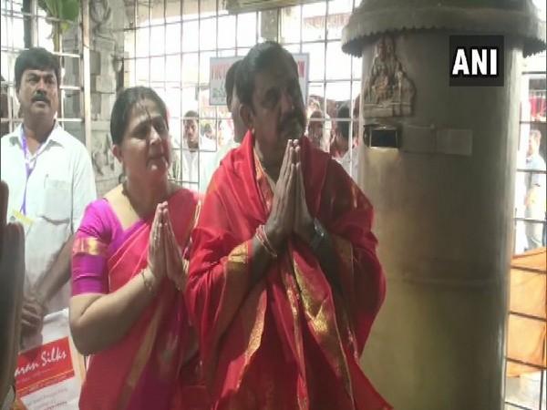 Tamil Nadu CM Edappadi Palaniswami with family at Lord Balaji temple in Tirumala, Andhra Pradesh, on Tuesday.