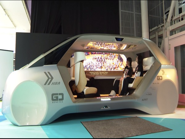 This car showcased at Tokyo Motor Show has automatic driving technology of home appliance maker Panasonic.