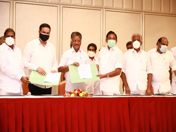 A visual from the PMK-AIADMK meeting at Chennai's Leela Palace hotel. (Picture source: Twitter/O Panneerselvam)