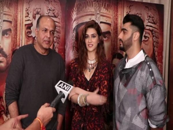 Ashutosh Gowariker , Kriti Sanon and Arjun Kapoor