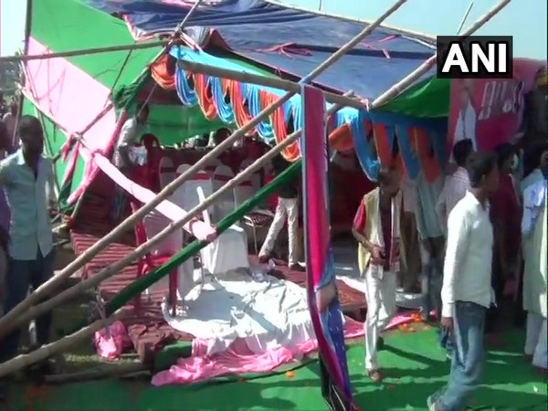 Pappu Yadav's stage collapsed in Muzaffarpur's Minapur Assembly constituency on Saturday. (Photo/ANI)