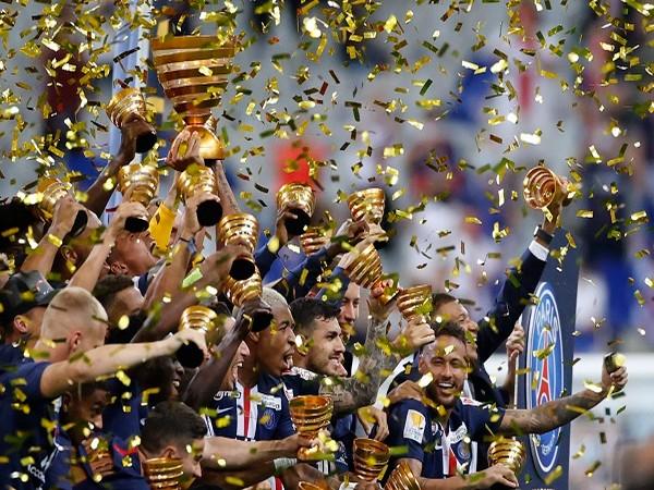 PSG celebrating after win over Lyon