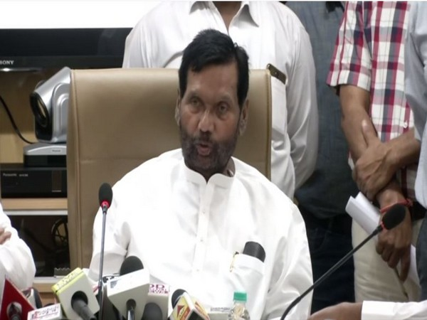 Union Minister of Consumer Affairs, Food & Public Distribution, Ram Vilas Paswan speaking to reporters in New Delhi on Tuesday.