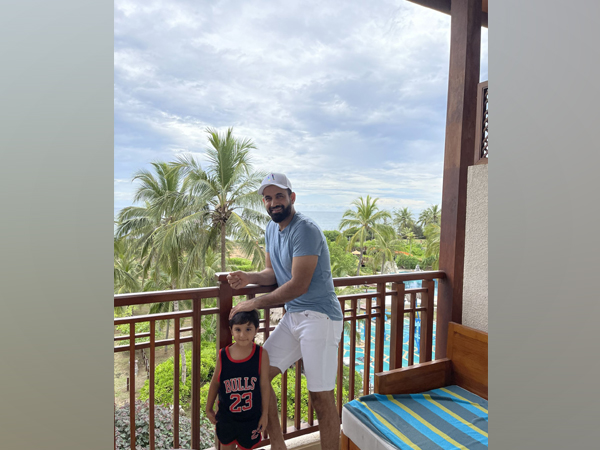 Former India all-rounder Irfan Pathan with his son. (Photo/ Irfan Pathan Twitter)