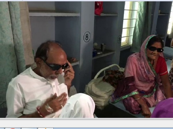 11 patients lose vision after an operation at an Indore hospital. Photo/ANI
