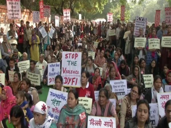 CPI-M stage dharna at Jantar Mantar in Delhi. Photo/ANI