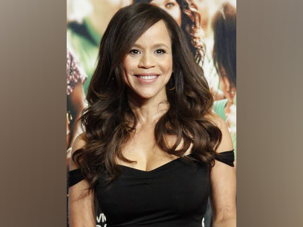 Actor Rosie Perez may step up to support Annabella Sciorra's testimony against Weinstein