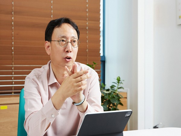 SK Hynix's CIS business vice president Song Chang-rok