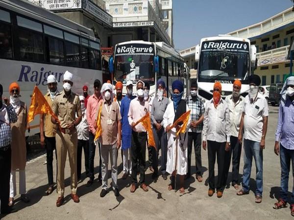 130 pilgrims who were at a Gurudwara in the Manmad area of Nashik, before boarding a bus to Punjab.