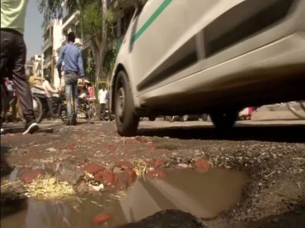 Commcare application has been developed by PWD department to search for potholes in Delhi [Photo/ANI]
