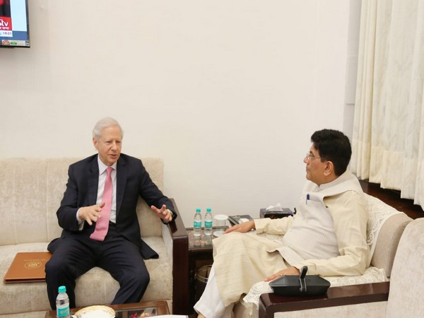Piyush Goyal (R) met US Ambassador to India Kenneth Juster in New Delhi on Friday