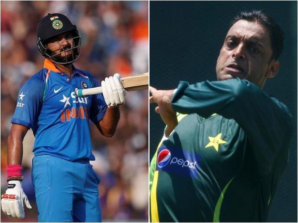 Yuvraj Singh (L) and Shoaib Akhtar (R)