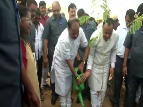 Chief Minister Raghubar Das kicked off plantation drive by planting a tree sapling in Ranchi on Sunday. Photo/ANI