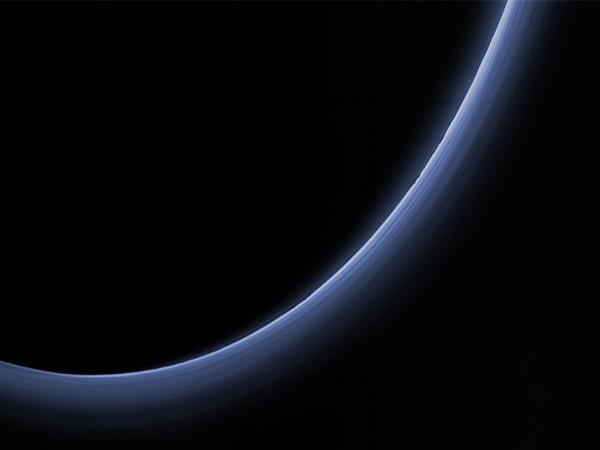 haze layers in Pluto's atmosphere (Image Source: NASA/JHUAPL/SwRI)