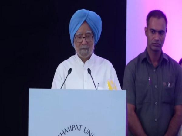 Former Prime Minister Manmohan Singh addressing students at Laxmipat University, Jaipur, Rajasthan on Saturday. Photo/ANI