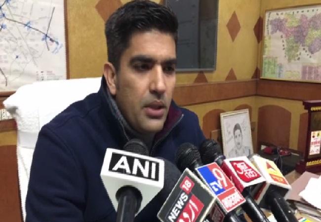 SSP Aligarh, Akash Kuljhari, speaking to media in Uttar Pradesh.