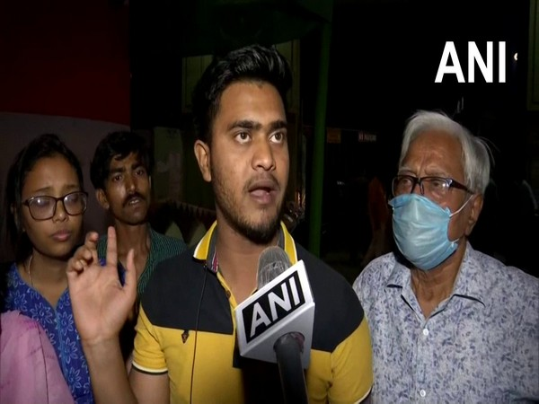 BJP and TMC workers created a ruckus outside the Nirmal Hirday Ashram School polling booth in Medinipur Assembly constituency in Paschim Medinipur.