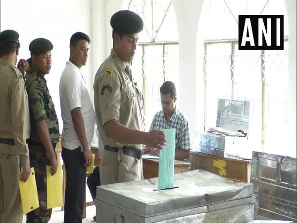 Security personnel casting vote through postal ballot (File image)