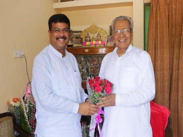Union Minister Dharmendra Pradhan meeting with Biswa Bhushan Harichandan