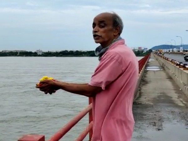 NMU VP Manne Durgaprasad Jumps Into Krishna River