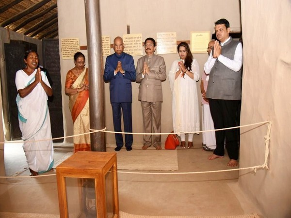 President Ram Nath Kovind, Maharashtra Chief Minister Devendra Fadnavis, and Governor C Vidyasagar Rao praying at Bapu Kuti at Sevagram Ashram in Maharashtra on Saturday. Photo/Twitter